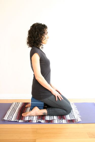 virasana-with-2-blocks_sc